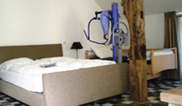 Slide5 600x350 NL Zwiesenborg Room