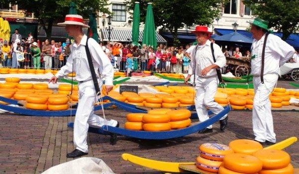 Slide1 600x350 Alkmaar_Kaasmarkt