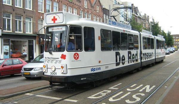 Slide1 600x350 Amsterdamse_tram_De_Red_Crosser