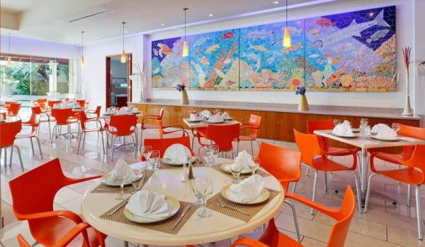 Slide6 600x350 Aruba Holiday Inn Sunspree Resort Ontbeid