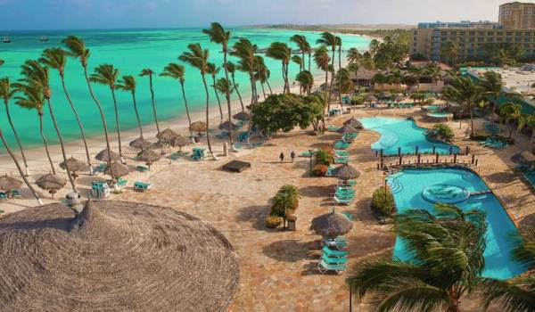 Slide2 600x350 Aruba Holiday Inn Pool