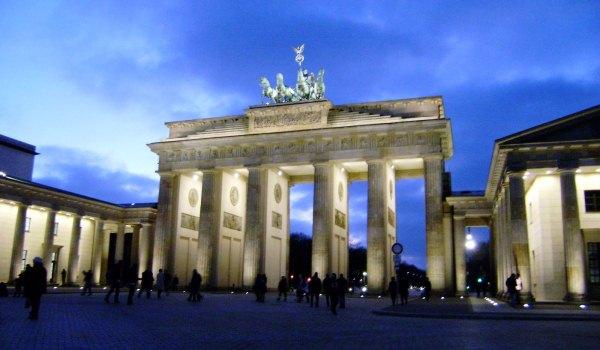 Slide3 600x350 Berlin