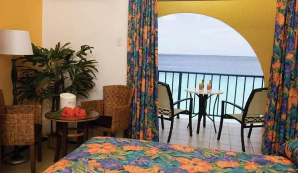 Slide3 600x350 Bonaire Divi Hotel Studio Zeezicht