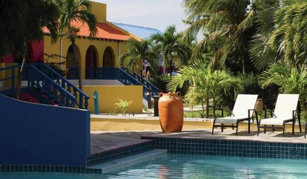 Slide5 600x350 Bonaire Divi Hotel. Zwembad