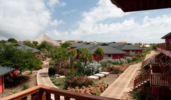 Slide5 600x350 Curacao-Marena-Resort