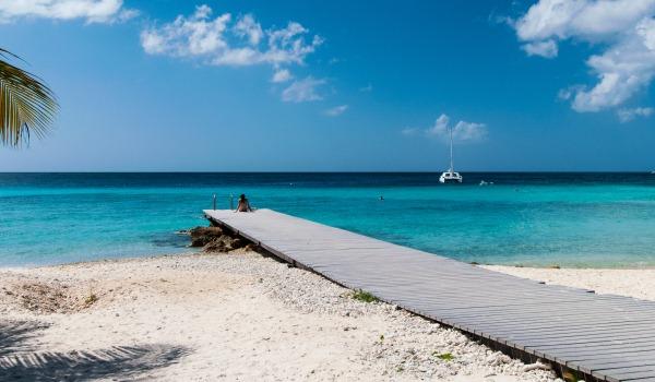 Slide1 600x350 Curacao Steiger