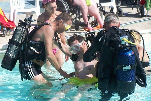 Slide4 600x350 FR-Laccolade Zwembadduiken