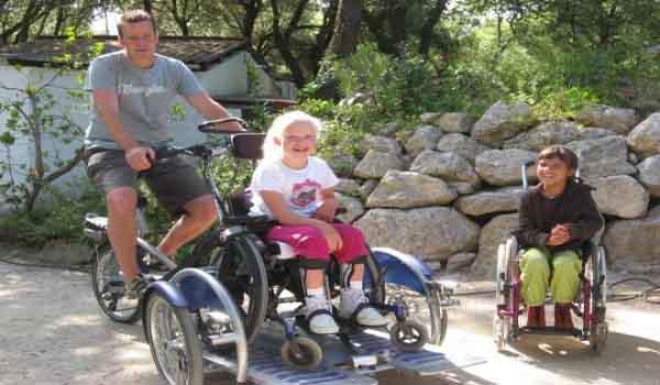 Slide1 600x350 FR-Laccolade rolstoel