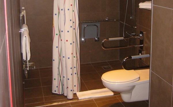 Slide8 600x350 Hotel wc