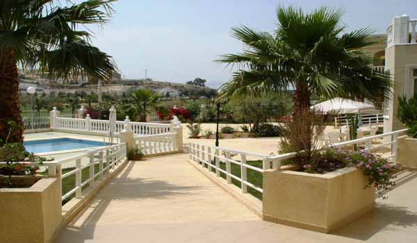 Slide2 600x350 Spanje Rojales Residencia