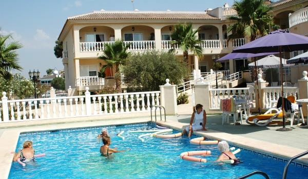 Slide1 600x350 Spanje Rojales zwembad