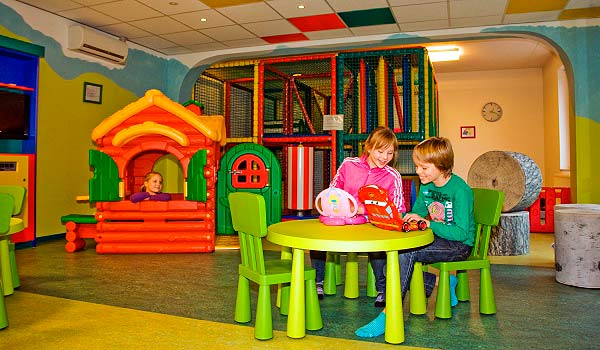 Boshotel Speelkamer-aan-tafel