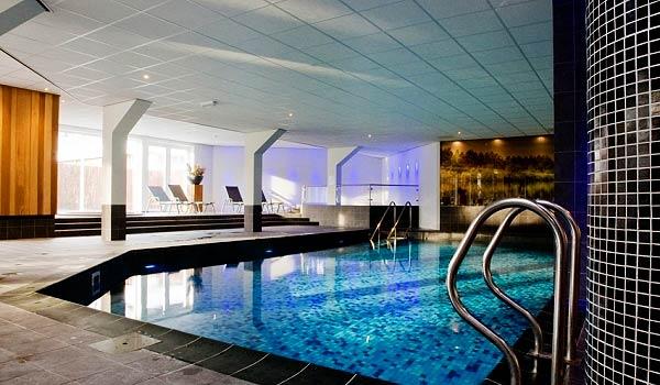 Slide2 600x350-Boshotel-zwembad
