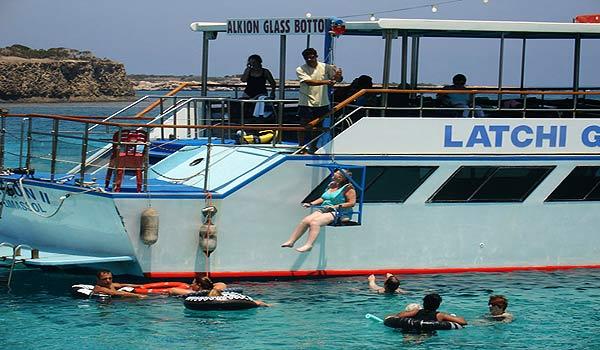 Cypres-CA-Boat_hoist