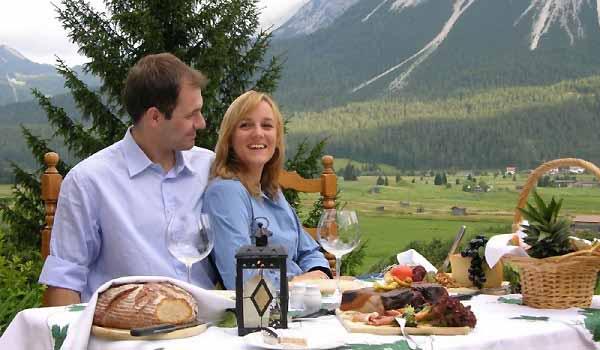 Slide2 600x350-AT-Zugspitze-Restaurant