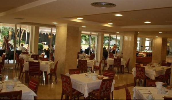 Palmeras-palya-hotel-restarant