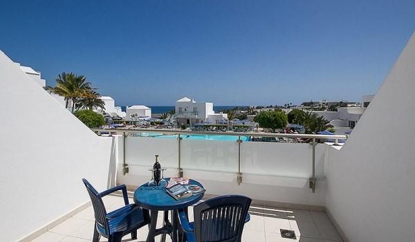 Lanzarote-Village-balcon