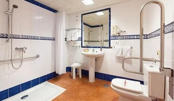 Tenerife-Aparthotel-Isabel-WC-Douche