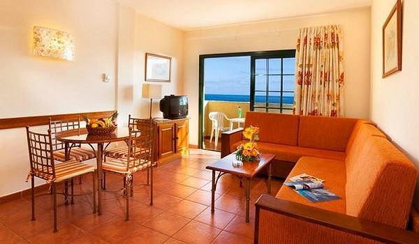 Tenerife-Aparthotel-Isabel-woonkamer