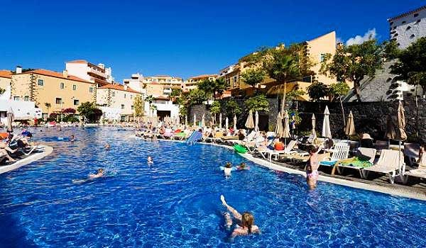 Tenerife-Aparthotel-Isabel-zwembad