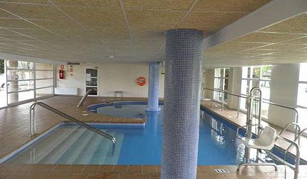 SE-M_Son_Caliu-binnen-zwembad